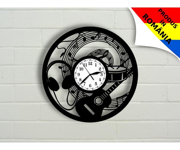 Ceas pentru iubitorii de muzica - chitara si note muzicale